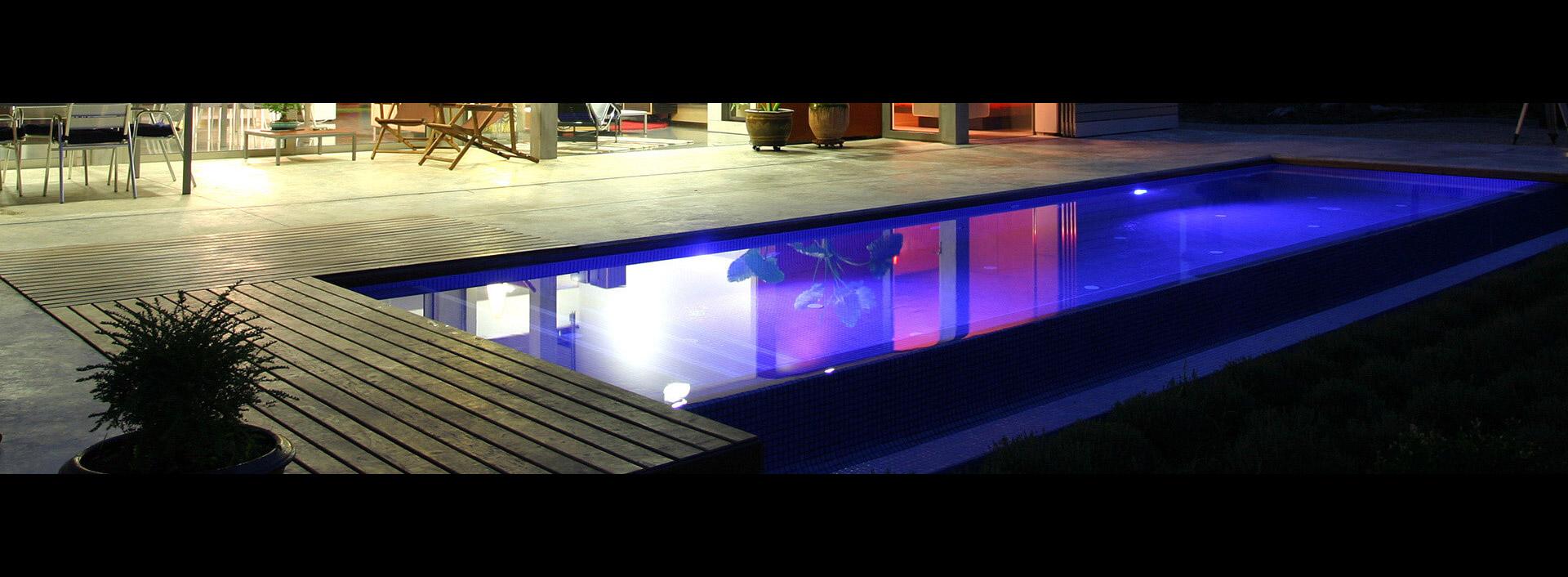 Manutenzione e accessori per piscine como milano lecco for Accessori piscine