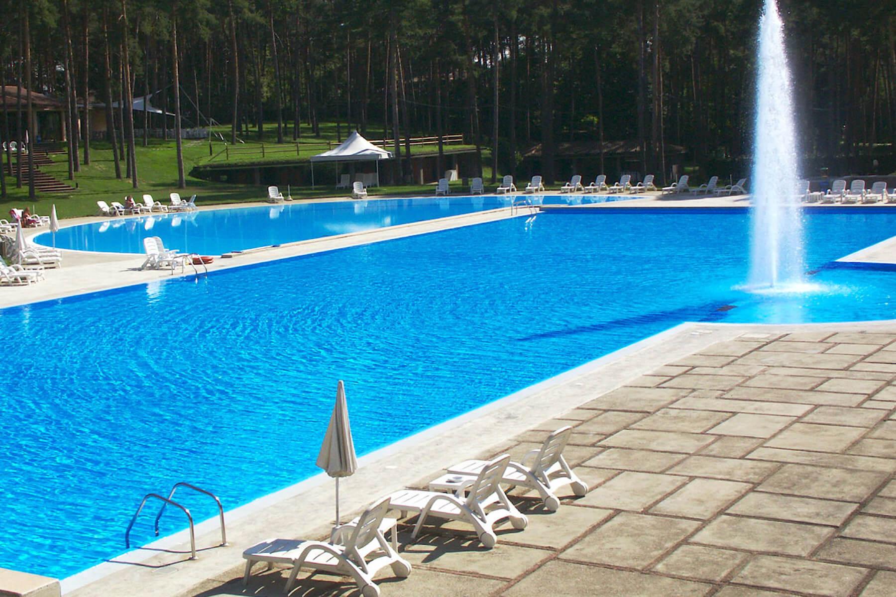 clever piscine realizzazione e posa piscine a como milano