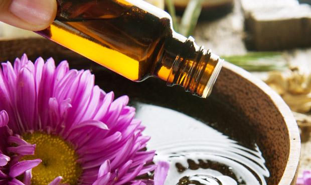 Bagno Rilassante Con Oli Essenziali : Oli essenziali dall effetto calmante ecco i migliori vivere più